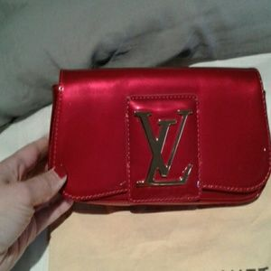 Auth Louis Vuitton red vernis clutch